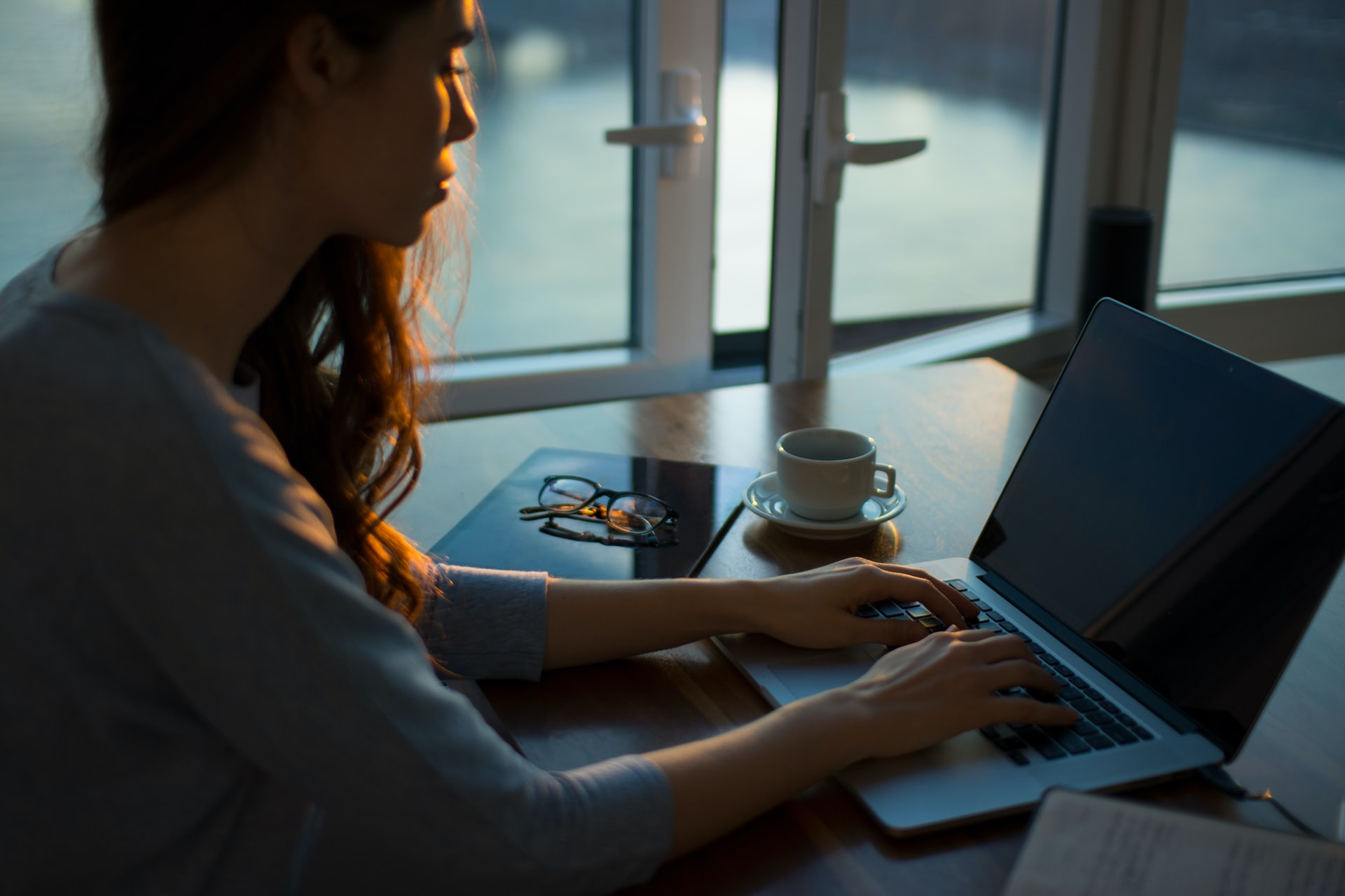 How Admin Assistants & PAs Can Work From Home Effectively