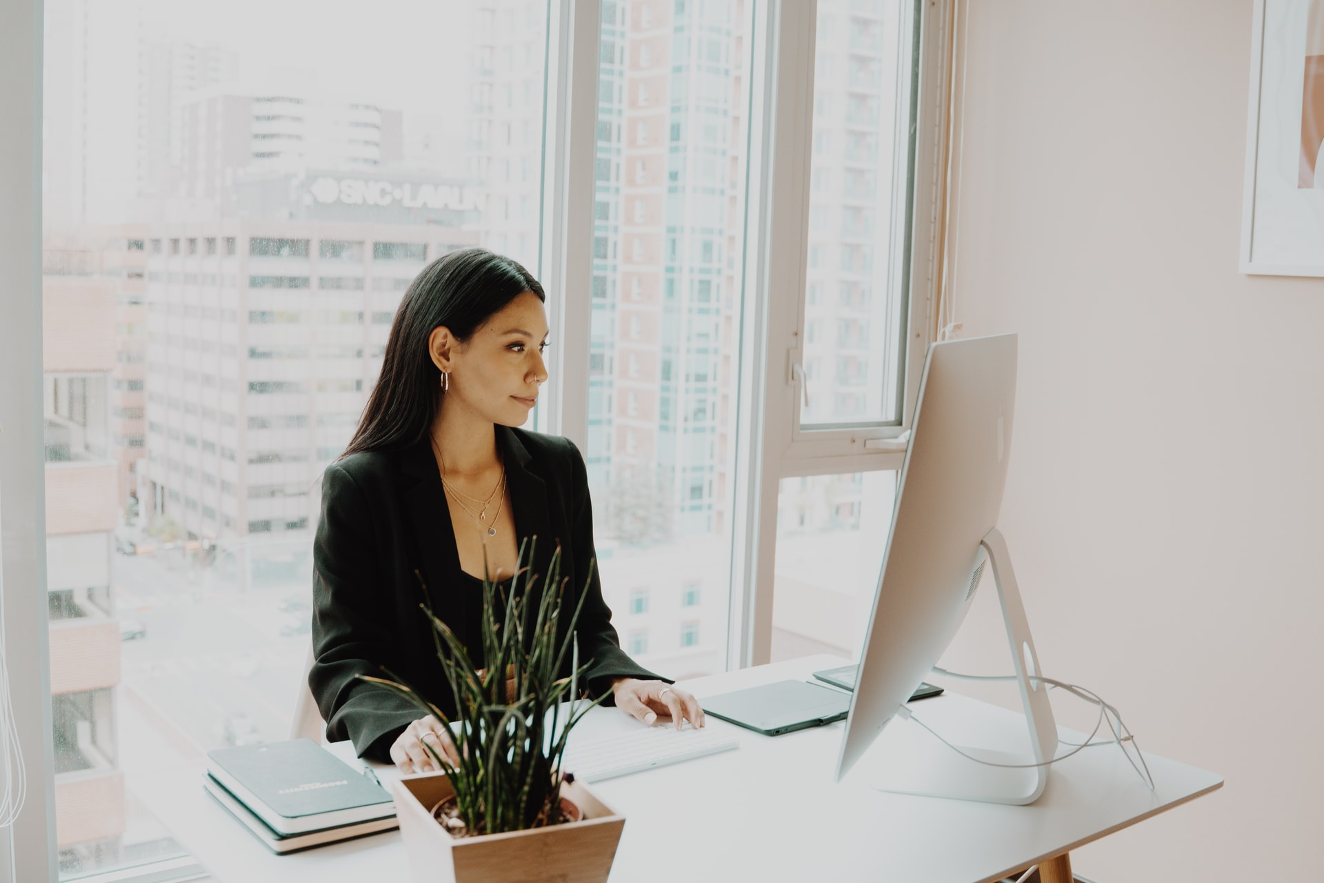 8 Top Tips & Advice On How To Become A Great Secretary