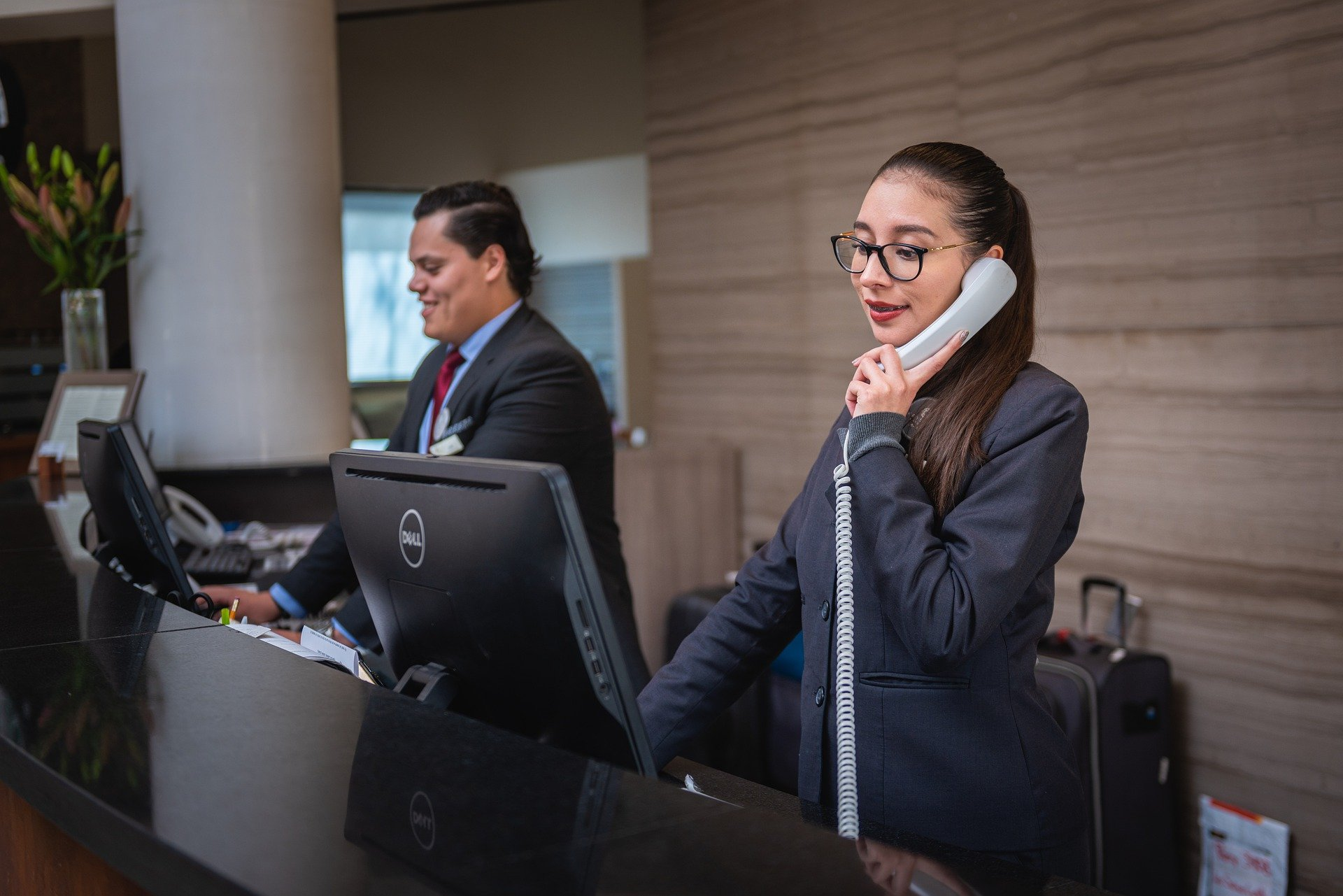 What Are The Key Duties & Responsibilities Of A Receptionist?